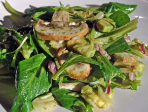 Salade mâche champignons au basilic