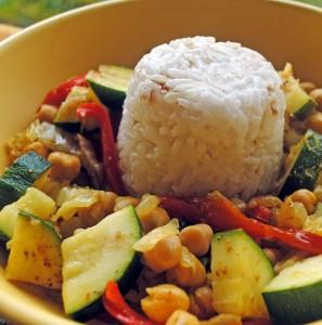 dôme de riz et petits légumes